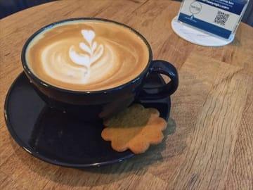 イスタンブール新市街で見つけたおしゃれカフェ【3】まるで宇宙空間!Coffee Jupiter