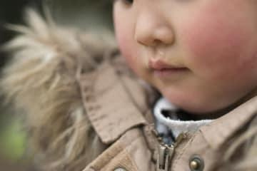 父親に放置され1歳9ヶ月で衰弱死した男児 「死亡2日前からの食事量」に絶句