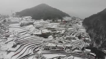 「南国」重慶に出現した雪国絵巻