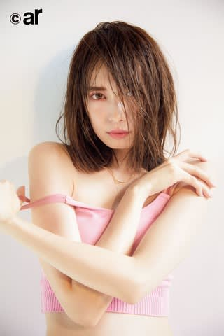 女性ファッション誌「ar」1月号に登場した宮田聡子さん
