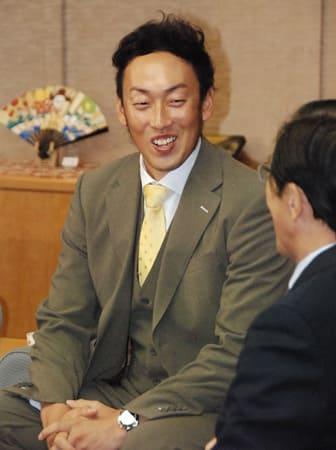 今季の活躍を振り返る平野選手(京都市上京区・京都府庁)