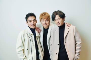 「新しい地図」の(左から)草なぎ剛さん、香取慎吾さん、稲垣吾郎さん