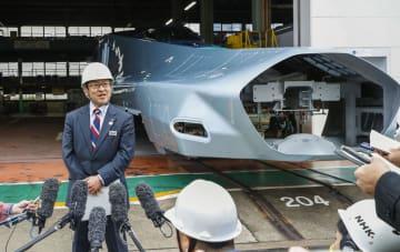 取材に応じるJR東日本先端鉄道システム開発センターの浅野浩二所長=12日午前、神戸市