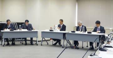 東京都内で開かれた原子力規制委員会の定例会合=12日午前