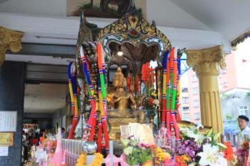 タイの神様 中和四面物