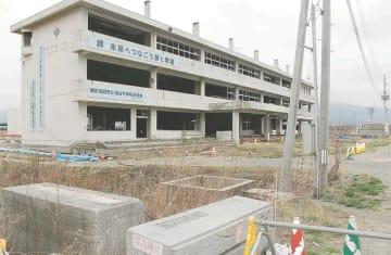 見学者向けに内部を公開する方針が示された震災遺構の旧気仙中校舎