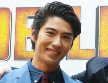 主演の賀来賢人(写真は2016年に撮影)
