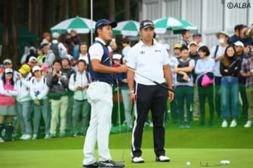 ソニー・オープンへの出場が決まった松山英樹(右)とアマの金谷拓実(撮影:佐々木啓)