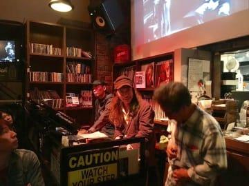 【イベントレポート】「サマー・オブ・ラブ! 愛のロックはこれだ!」音楽航路 vol.3 ムロケン(室矢憲治)ライヴトーク〈愛と放浪、ロック詩人たちとの出会い(NY編)〉@ROCK CAFE LOFT