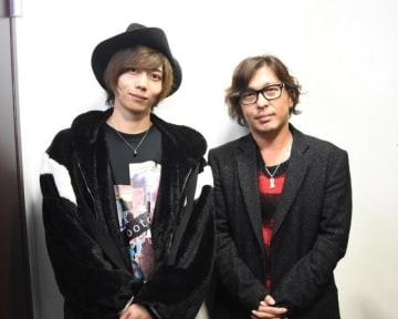 左から、俳優の染谷俊之さん、劇作家・演出家の西田大輔さん