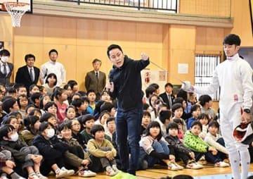 フェンシングって面白い 米沢・五輪メダリスト太田さんが教室