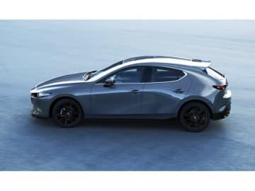 マツダが「東京オートサロン2019」に出展する「Mazda3 Custom Style」(北米仕様)