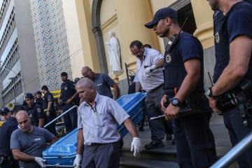 ブラジルの教会で銃乱射 9人死傷