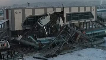高速鉄道が列車と衝突 4人死亡、43人負傷 トルコ・アンカラ