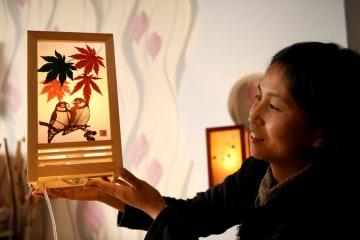 葉彫 木の葉で絵を描く伝統的手工芸