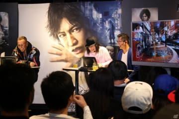 左から名越稔洋氏、MCUさん、細川一毅氏