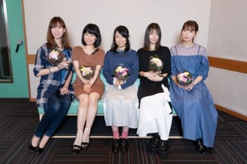TVアニメ『あかねさす少女』最終回アフレコ集合写真(C)Akanesasu Anime Project