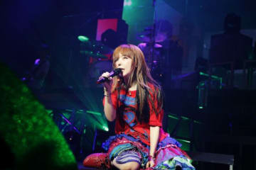 「これからもみんなで一緒に年を重ねて行きたいな」aiko、自身最大規模のデビュー20周年イヤーに行われたメモリアルなホールツアー「Love Like Pop vol.20」完走!