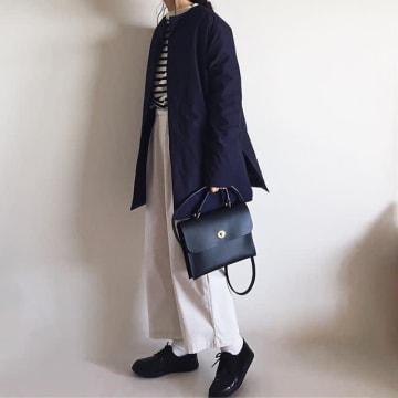 ロングコートとワイドパンツの冬コーデ、どう着こなす? 軽さを足しておしゃれなバランスコーデ11選♪