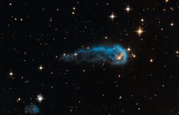 宇宙芋虫は美しく羽化するのか。それとも爆発して終えるのか