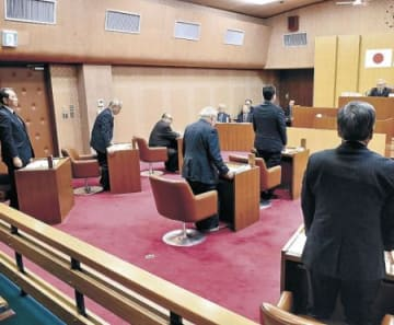 舟橋村議会、定数1減 条例改正案を可決