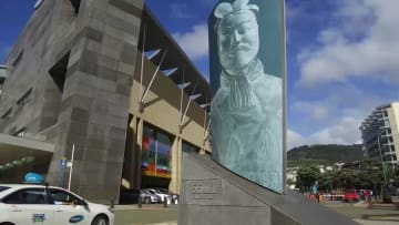秦の始皇帝の兵馬俑展始まる ニュージーランド国立博物館