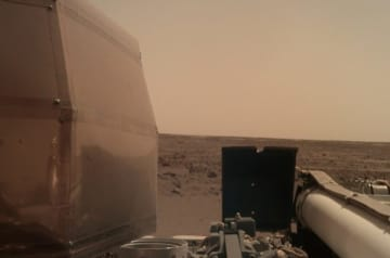 NASAの陰謀?火星の「人影」に隠された『宇宙戦争』の危機