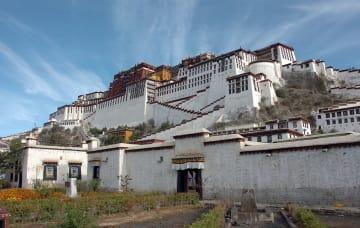 中国チベット自治区ラサ市のポタラ宮(共同)