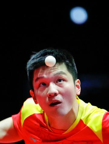 樊振東、準々決勝で敗退 卓球グランドファイナル