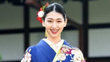 所属芸能事務所「オスカープロモーション」の晴れ着撮影会に出席した是永瞳さん