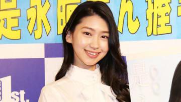 自身初のカレンダーの発売イベントを開催した是永瞳さん