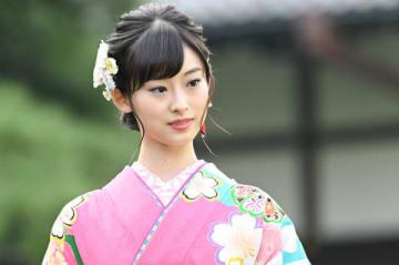 所属芸能事務所「オスカープロモーション」の晴れ着撮影会に出席した井本彩花さん