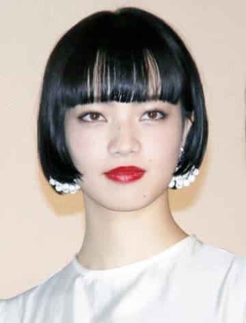 映画「来る」の初日舞台あいさつに登場した小松菜奈さん