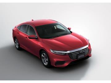 ミッドサイズセダンに生まれ変わったホンダのHV専用車、新型インサイト。写真は上級グレードのEXで349.92万円