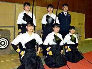物理を駆使して屋内練習 弓道全国切符、川俣高女子が初出場
