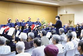 聖夜ムードを盛り上げたクリスマスコンサート