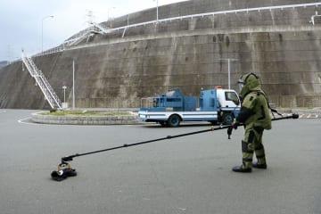 伊方原発3号機などにサイバー攻撃や不審者の侵入があったとの想定で実施された対応訓練=17日午後、愛媛県伊方町