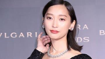 「BVLGARI AVRORA AWARDS 2018」のゴールデンカーペットセレモニーに登場した杏さん