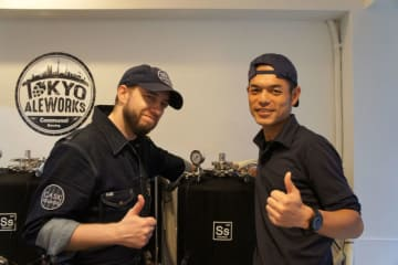 Tokyo Aleworksのボブ・ストックウェルさん(左)と梶山紀光さん(右)