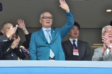 """サインを見ないことを注意された長嶋茂雄が言った名言「僕は、巨人軍の4番打者だよ。サインなんて、""""打て""""以外に、あるわけないじゃない」"""