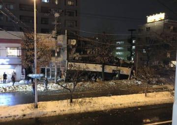 16日午後8時38分に撮影された、爆発直後の札幌市豊平区の現場付近(住民提供)