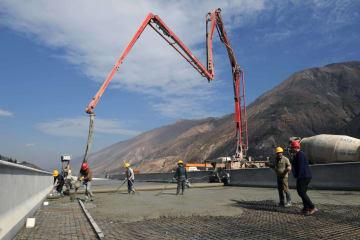 雲南省の高速道路時代に向け、進む東格高速道路建設