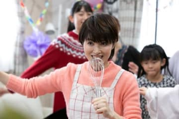 2019年1月26日に放送されるNHK・BSプレミアムの特集ドラマ「ネット歌姫~パート主婦が、歌ってみた~」で主演を務める荻野目洋子さん=NHK提供