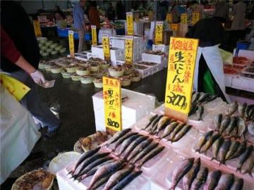 日本の魚市場店主、金持ち中国人観光客に驚嘆「4500円のウニをプリンのように食べる」=中国ネット「少数派」「喜べない」