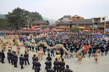トン族の人々が「薩瑪節」を祝う 貴州省榕江県