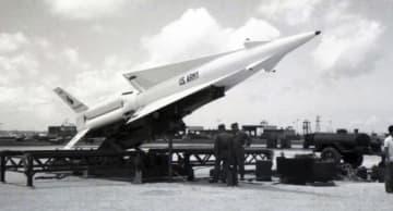 復帰前の沖縄に配備された核搭載可能なミサイル、ナイキ・ハーキュリーズ。嘉手納や辺野古の弾薬庫には核弾頭が貯蔵されていた=1962年5月18日