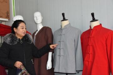 幸福を織り出す「織姫」 陝西省鳳翔県