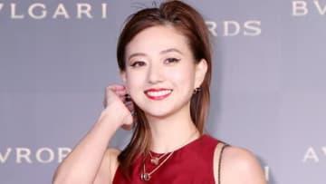 「BVLGARI AVRORA AWARDS 2018」のゴールデンカーペットセレモニーに登場した伊藤千晃さん