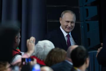 プーチン大統領、年末恒例会見開く