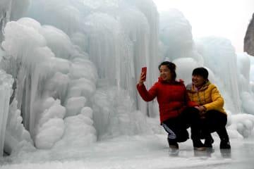 太行山の氷瀑 河北省平山県